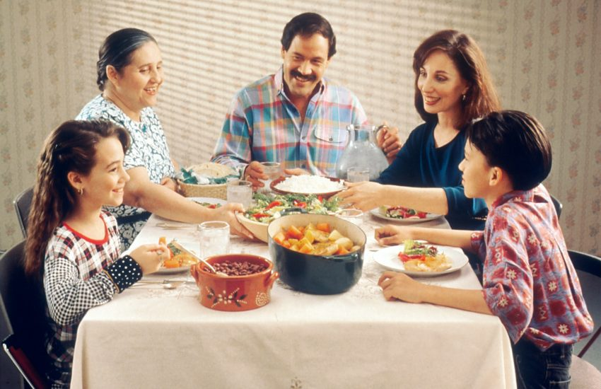 family-documentaries-discuss-over-dinner
